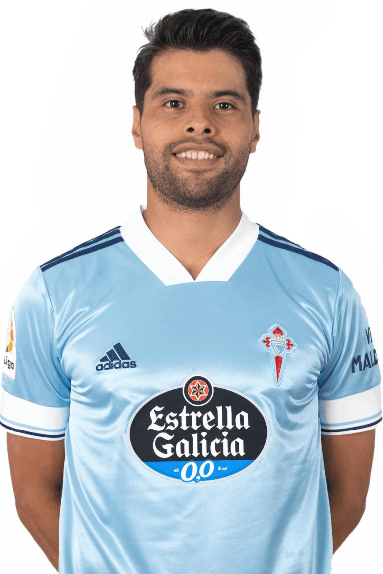 Image of Néstor Araujo player posing