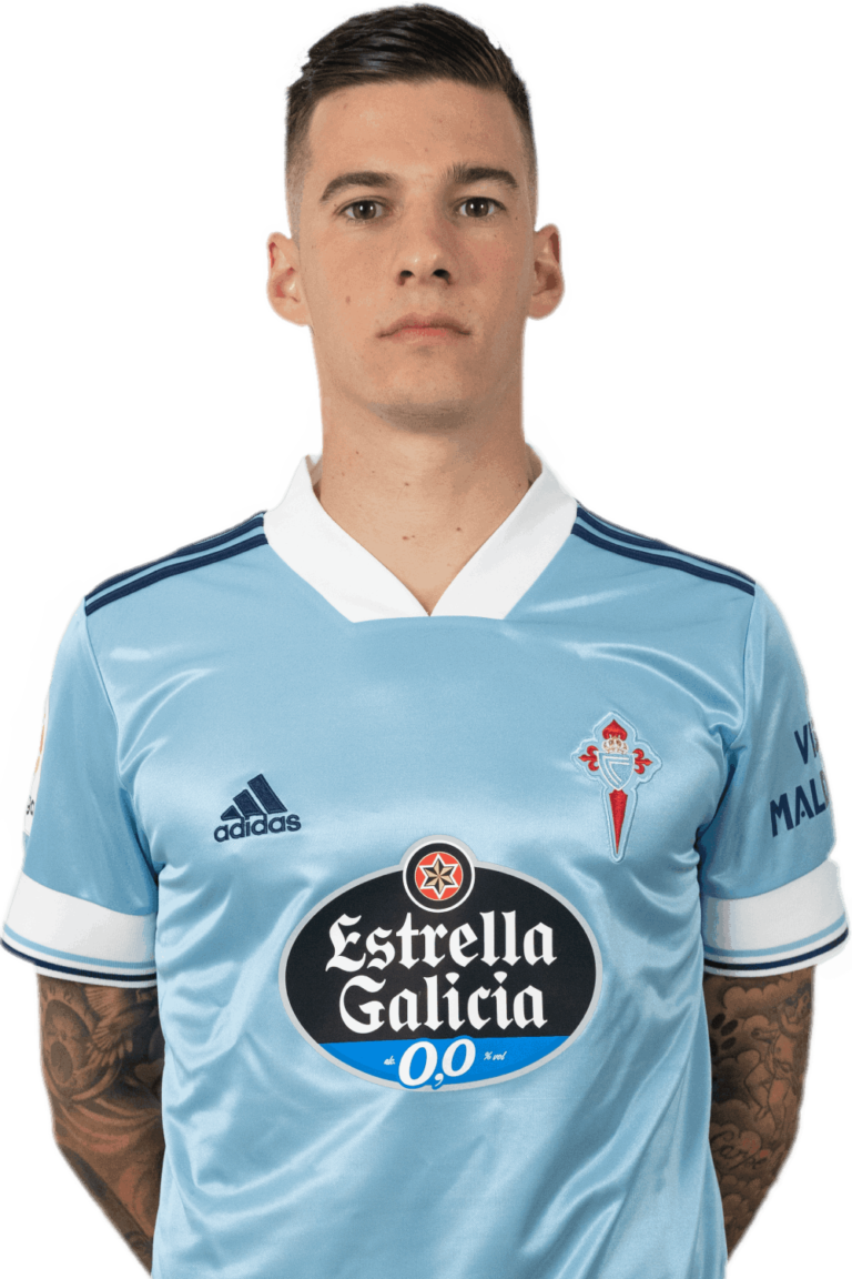 Image of Santi Mina player posing