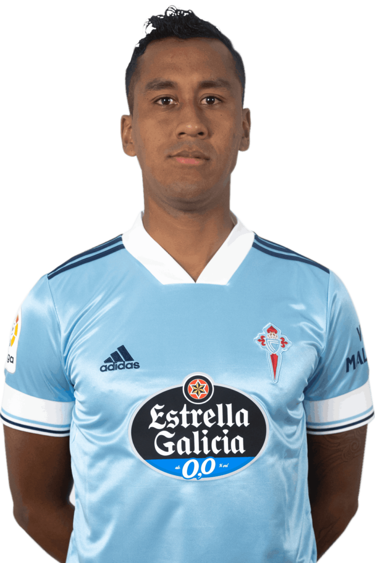 Image of Renato Tapia player posing