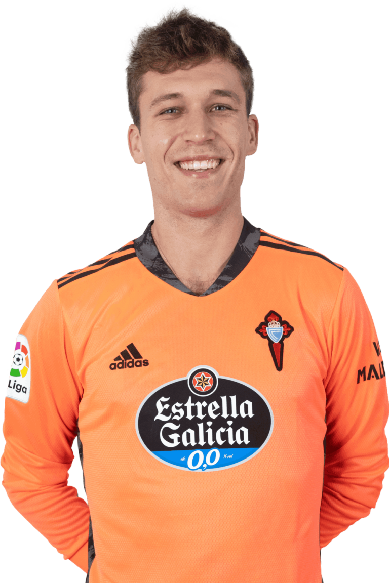 Image of Rubén player posing