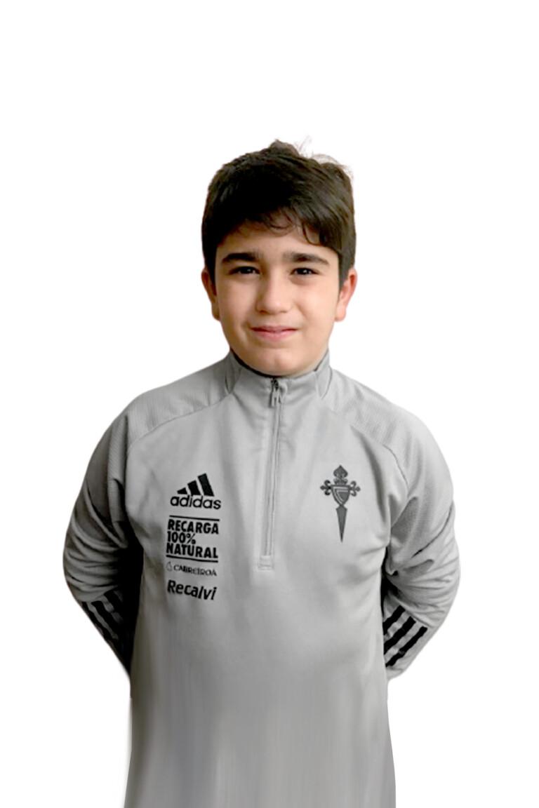 Imágen del jugador Unai López Calleja posando