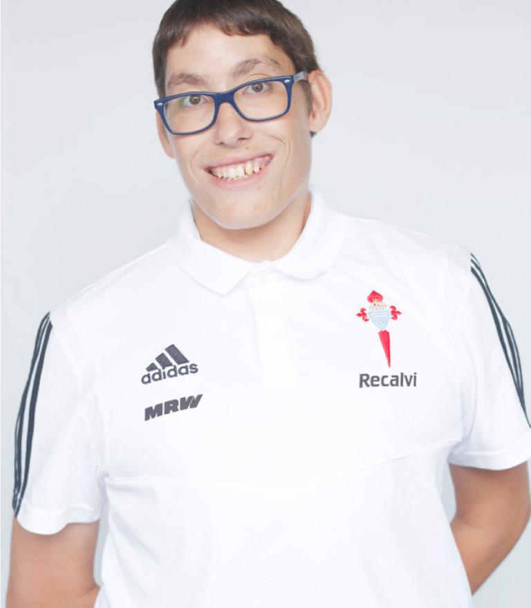 Imágen del jugador Francisco Méndez posando