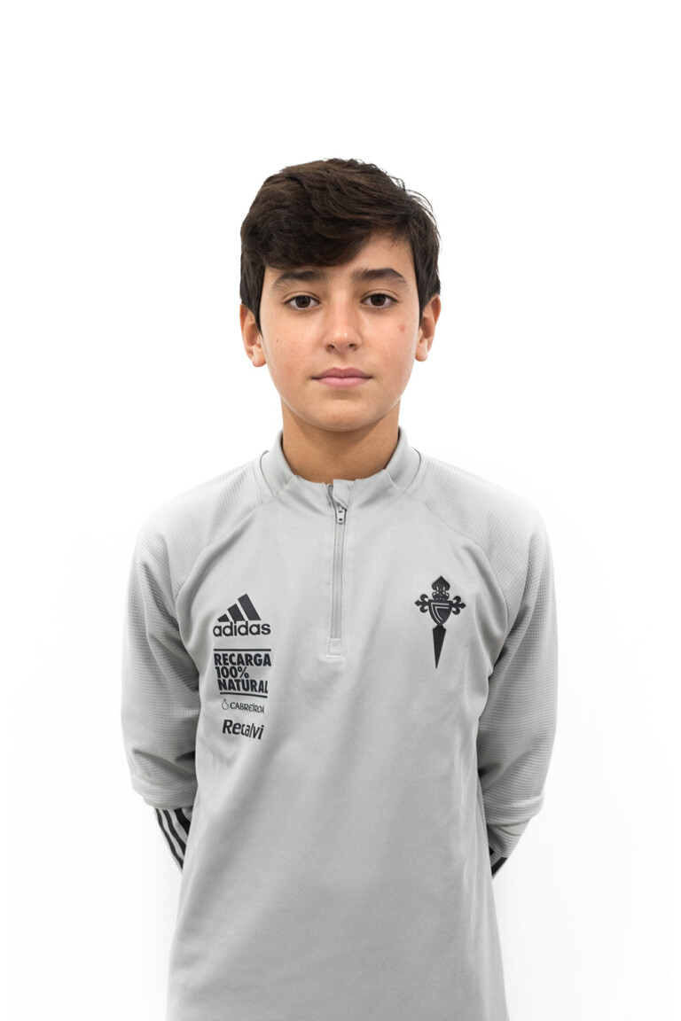 Imágen del jugador Óscar Vázquez Piñeiro posando