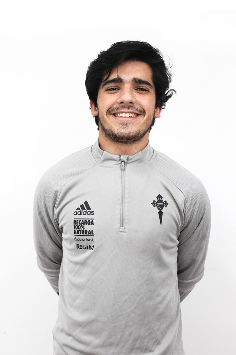Image of Fernando Garrido Casal player posing