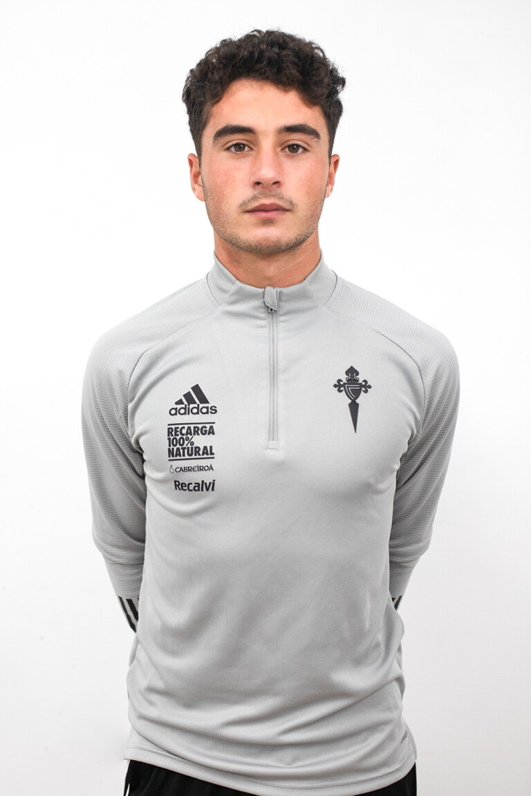 Image of Hugo Cerqueiro Cosío player posing