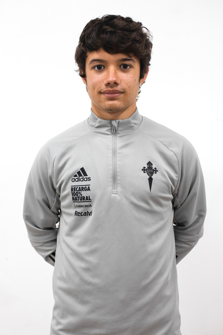 Image of Pablo Vicente Diego player posing