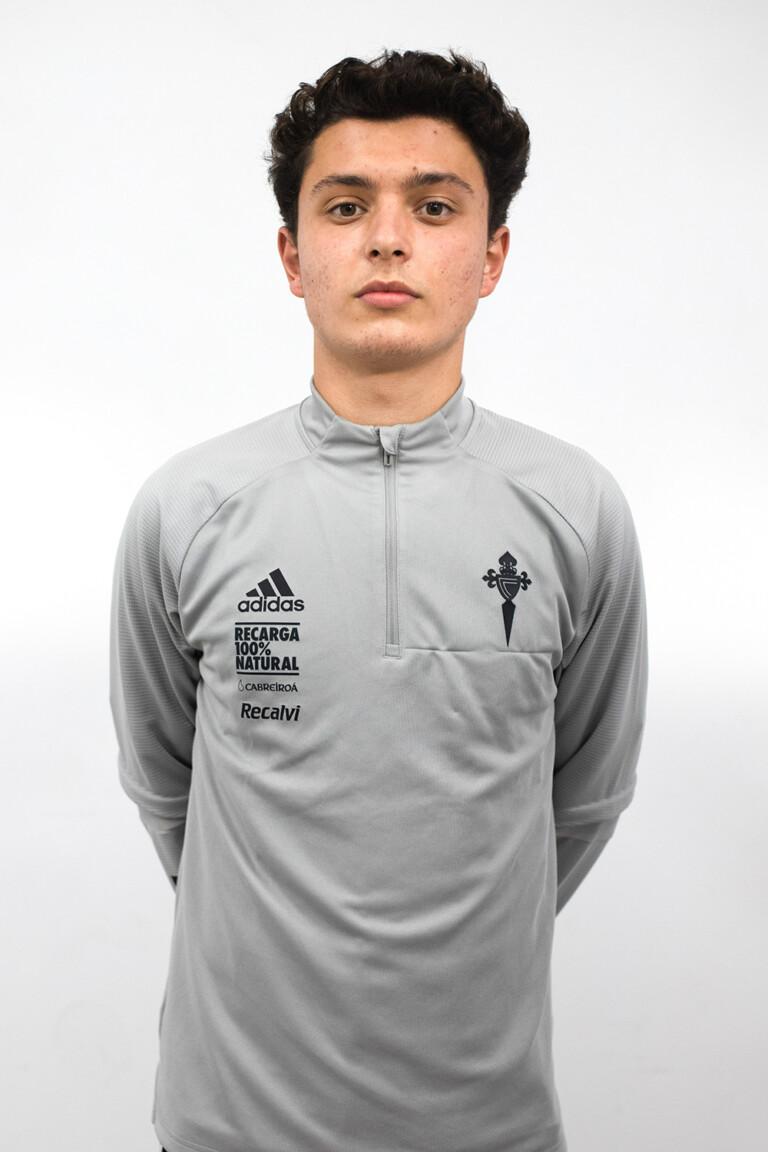 Image of Roi Tato Arjona player posing