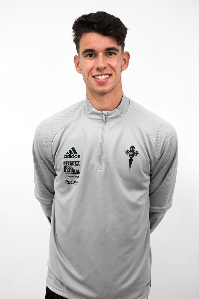 Image of Santiago Prado Rodríguez player posing