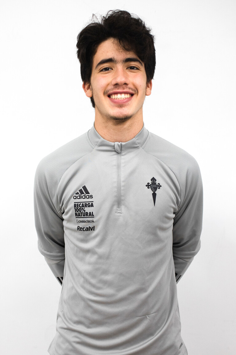 Image of Tobías Victorio Reclusa Muñoz player posing