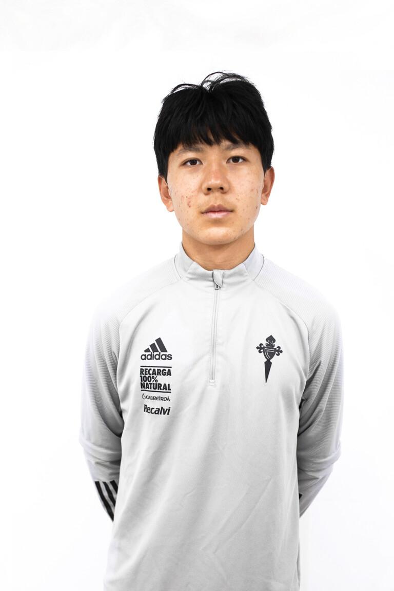 Imágen del jugador Enze Cao 'Felipe' posando