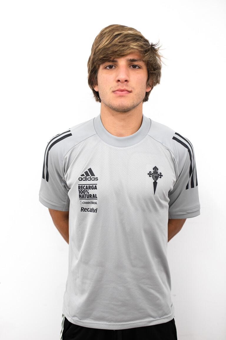 Imágen del jugador Javier Pereira Rivas posando