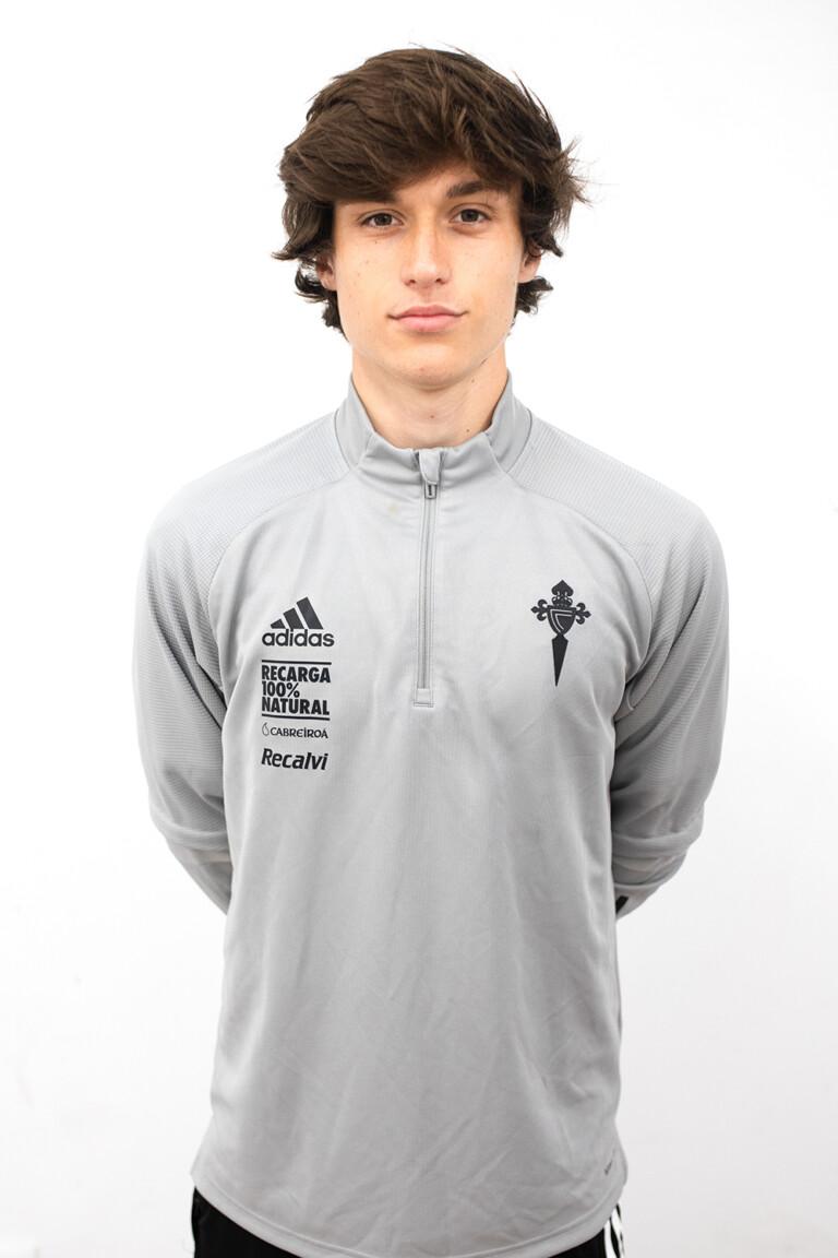 Image of Ismael Rodríguez Blanco player posing
