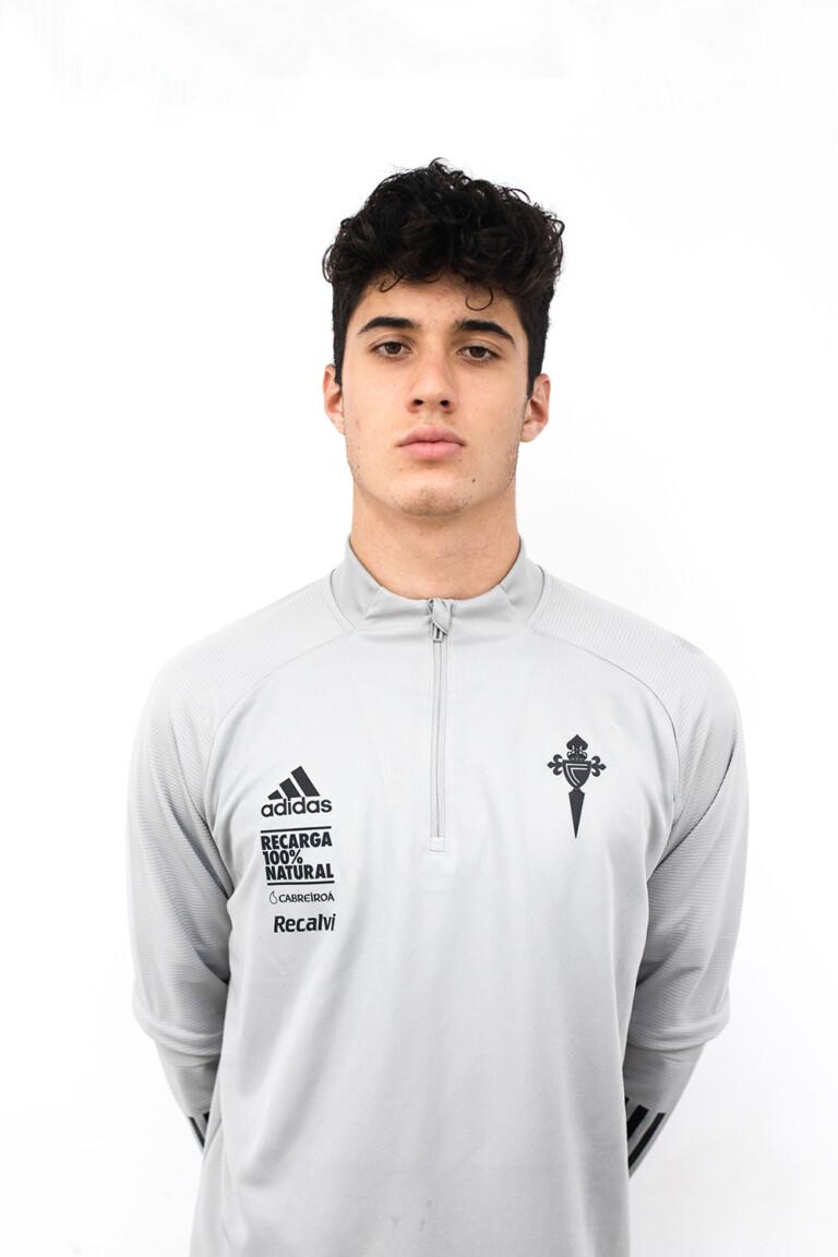 Imágen del jugador Darío Martínez Germil posando