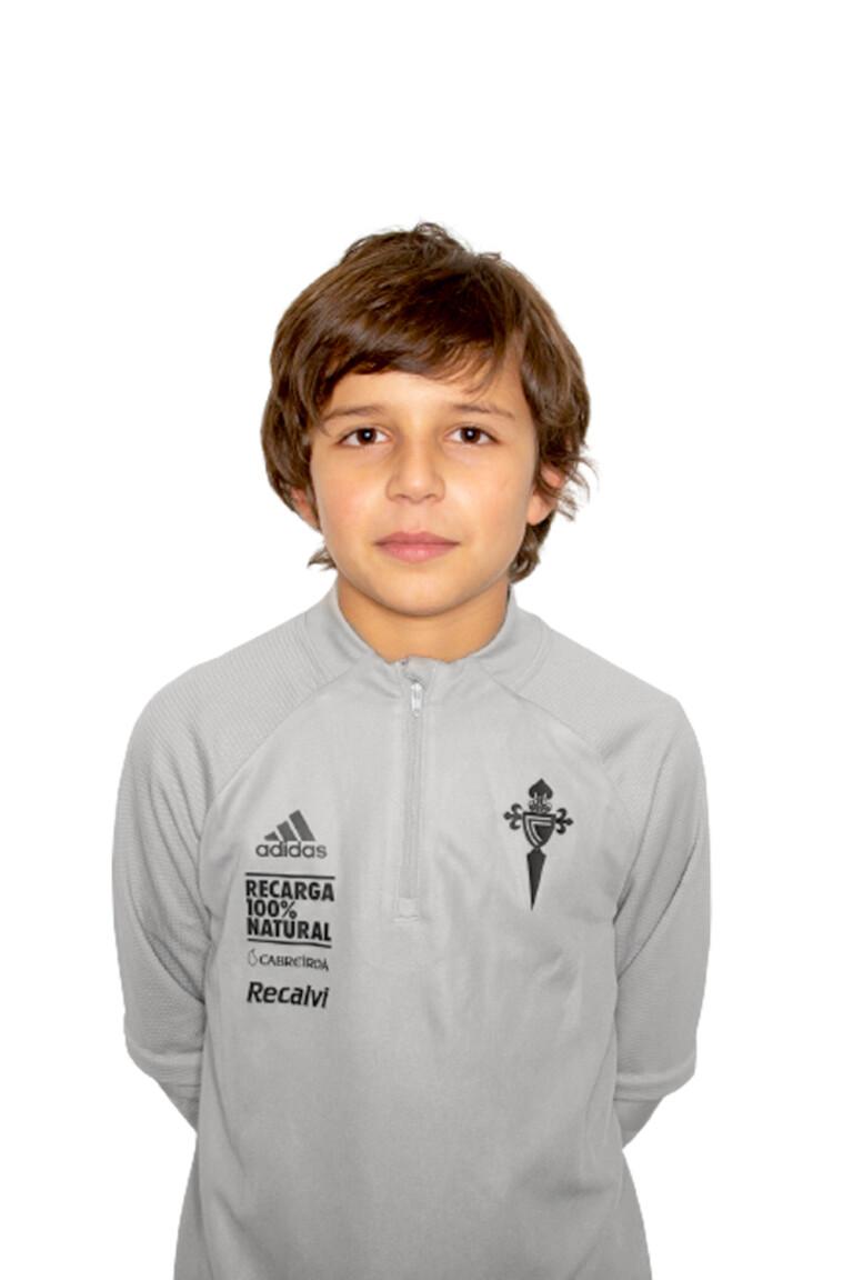 Imágen del jugador Mauro Álvarez Regueira posando