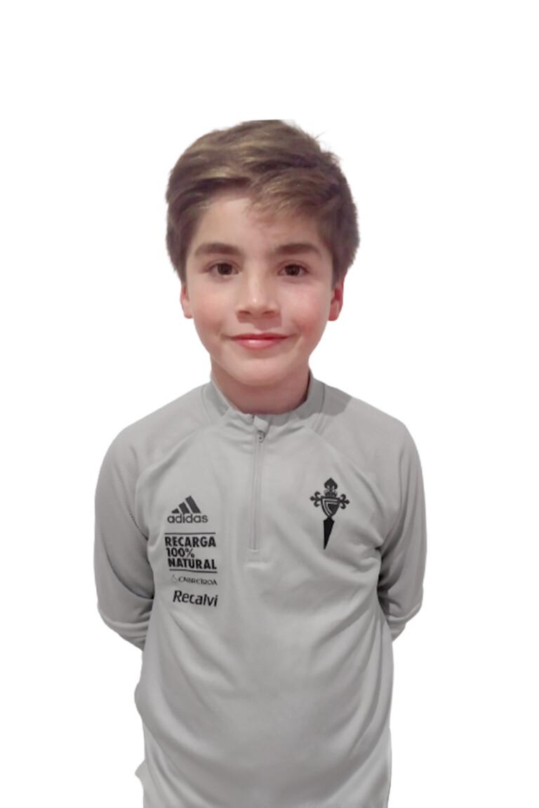Imágen del jugador Alexandre Oubiña Bua posando