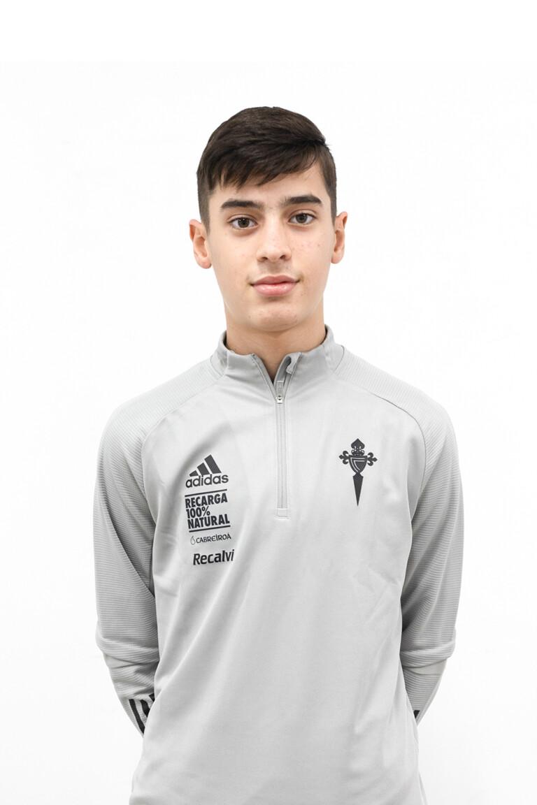Imágen del jugador Asier Troncoso Garrido posando