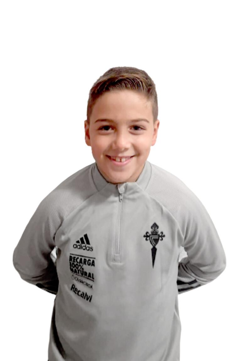 Imágen del jugador Alejandro Santiago García posando