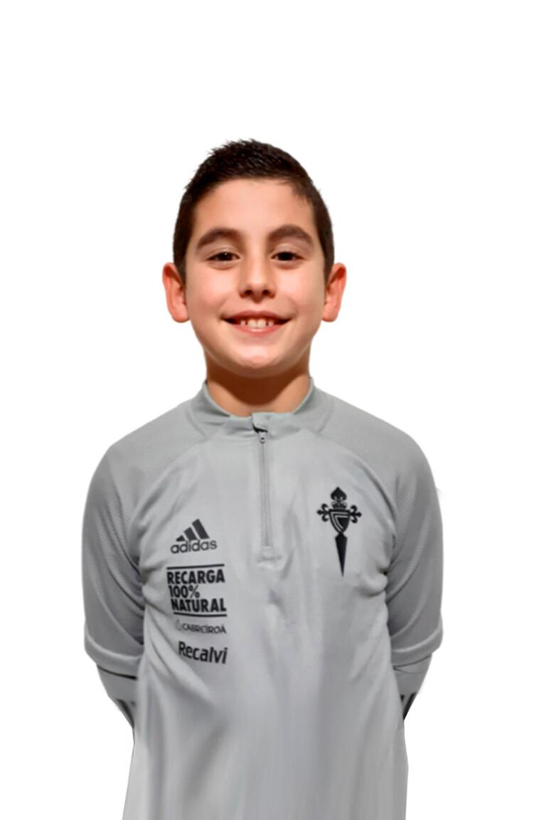 Imágen del jugador Asier González Isorna posando