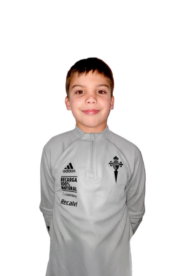 Imágen del jugador Iago Vilanova González posando