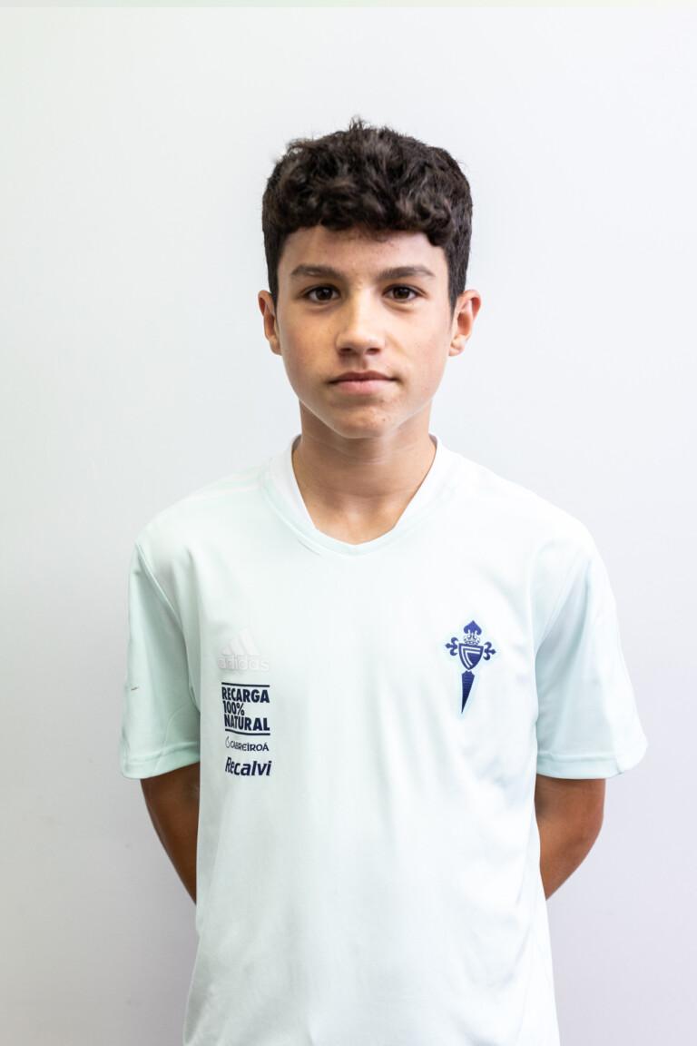Imágen del jugador Andrés Antañón Vieites posando