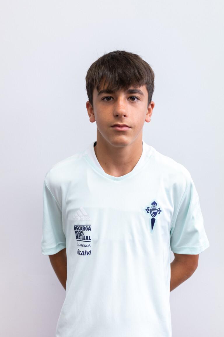 Imágen del jugador Íker López Calleja posando