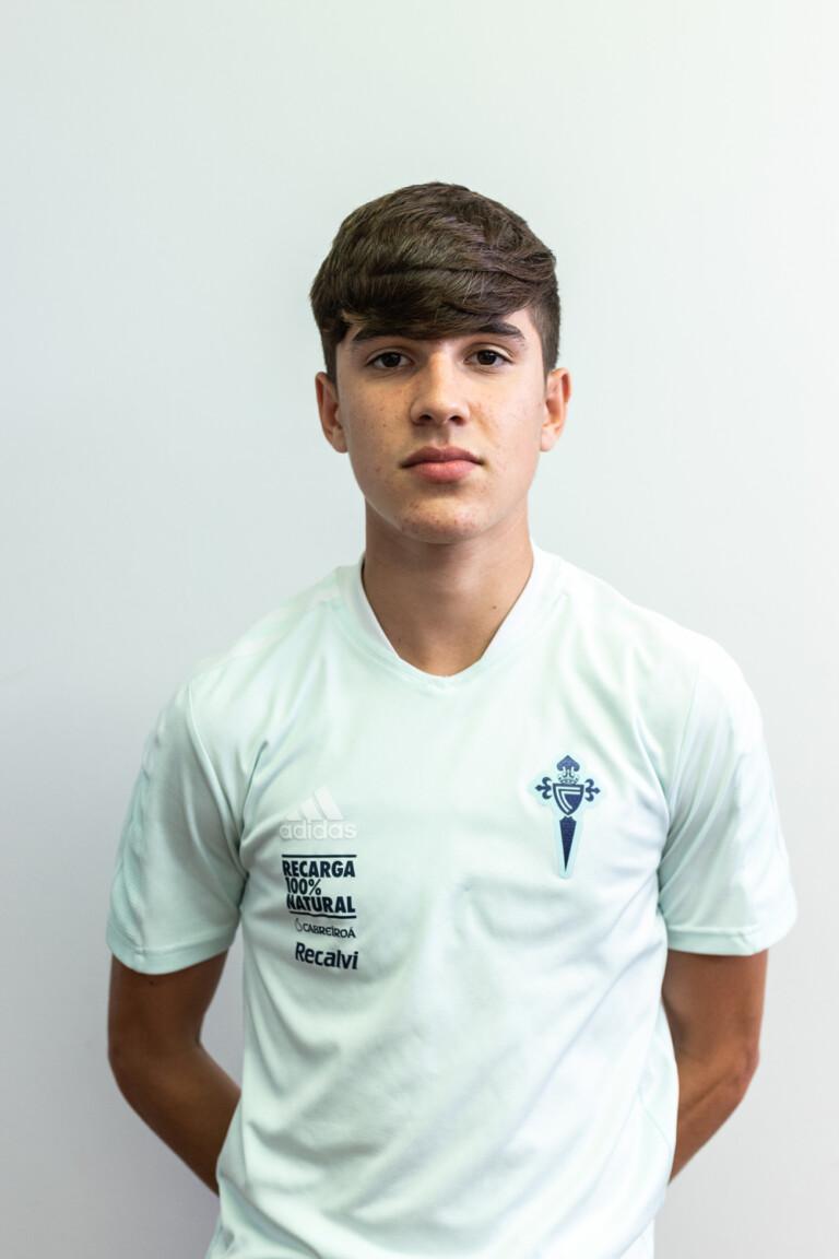 Imágen del jugador Pablo Gavián Alonso posando