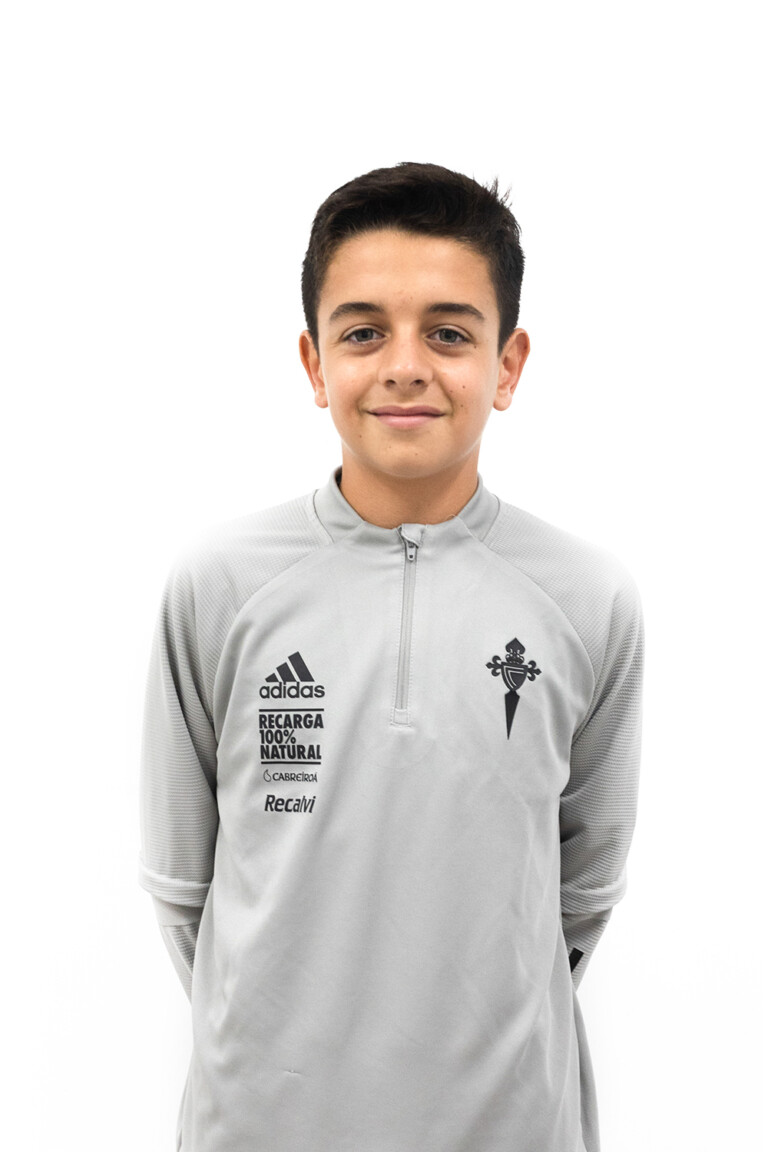 Imágen del jugador Gonzalo Barcón Álvarez posando