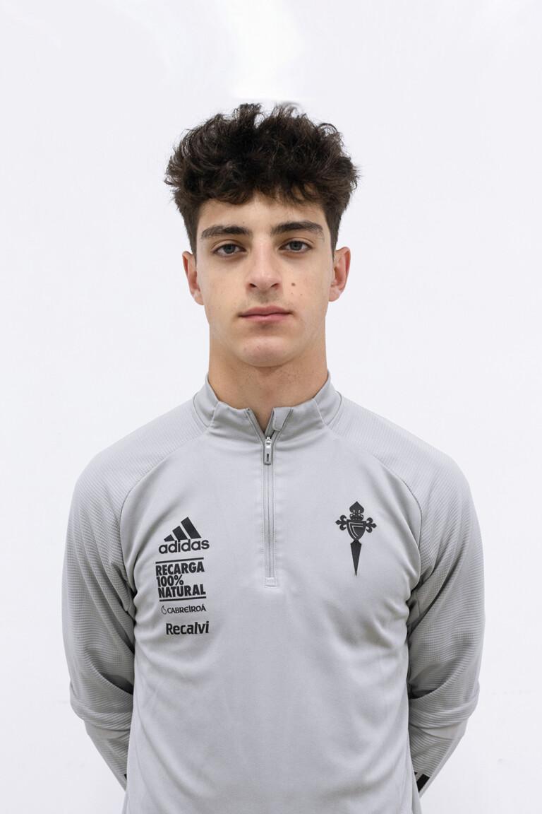 Imágen del jugador Hugo Álvarez Antúnez posando