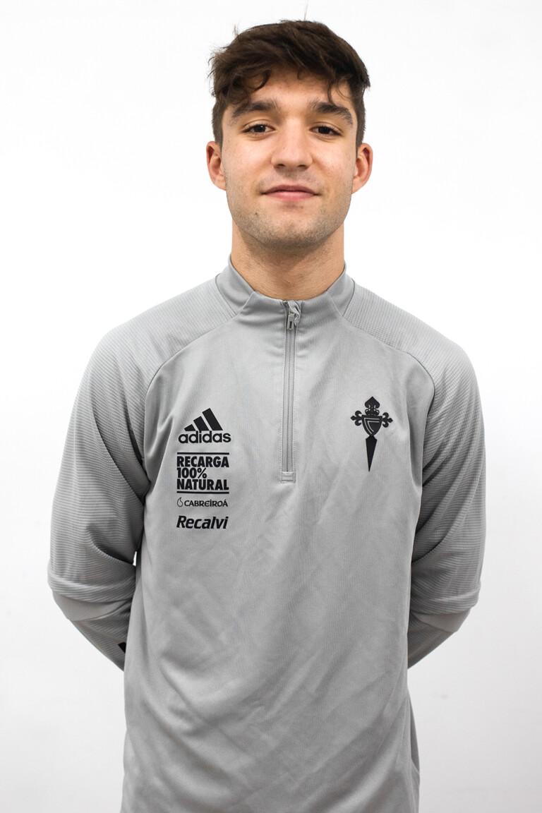 Image of Jairo López Río player posing