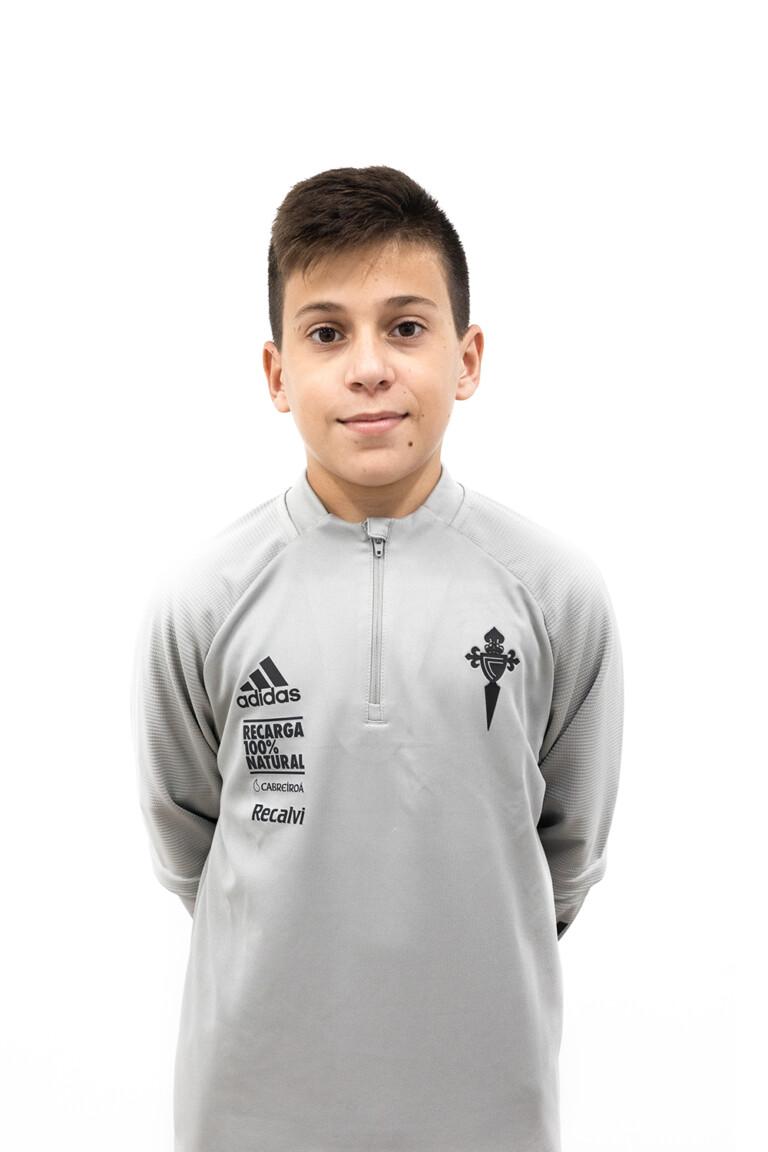 Imágen del jugador Pablo Míguez Regueira posando