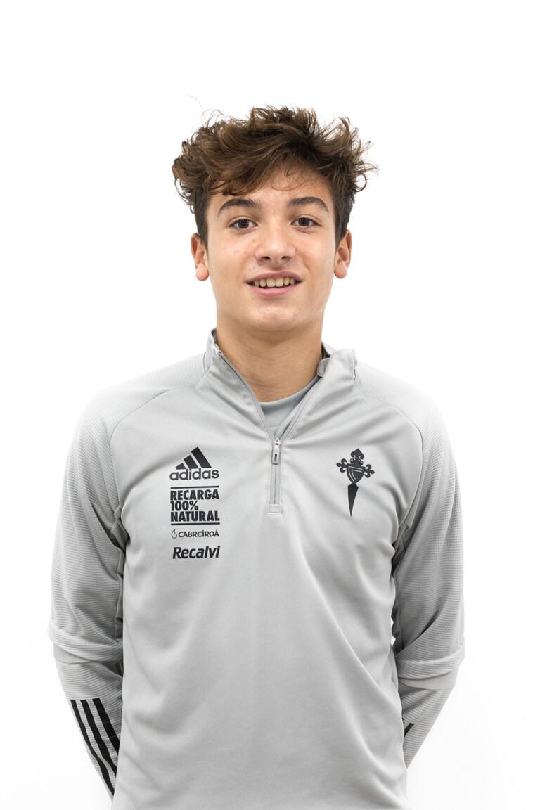 Imágen del jugador Pedro Bouzada Miñán posando