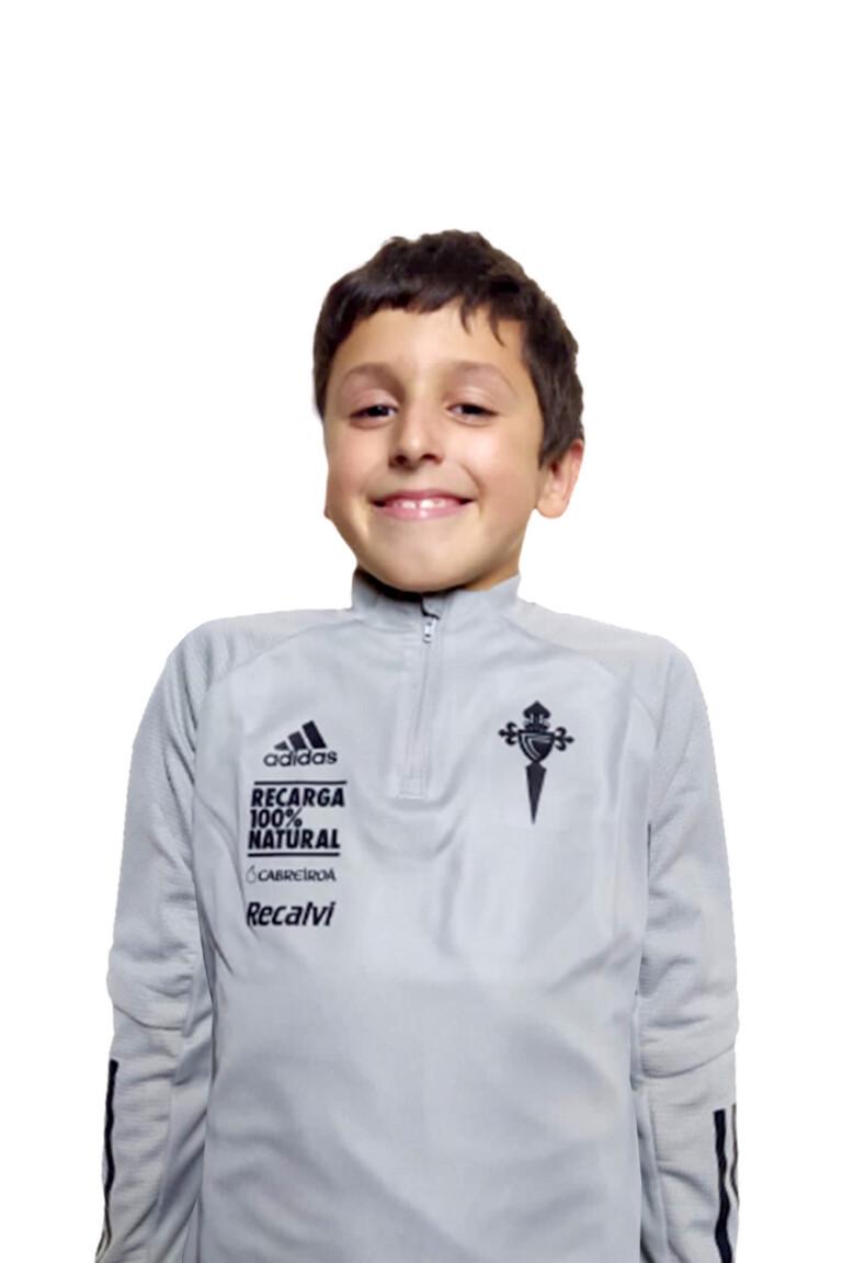 Imágen del jugador Samuel Fernández Cuevas posando