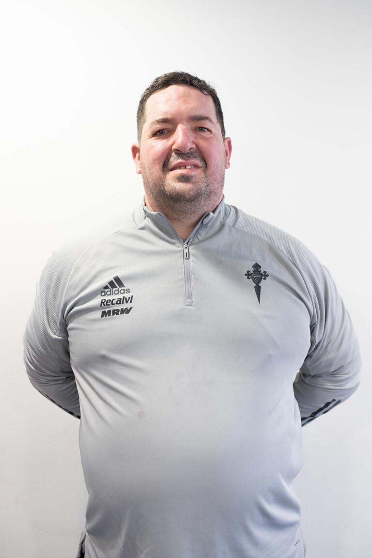 Imágen del jugador Francisco Javier Somoza Pires posando